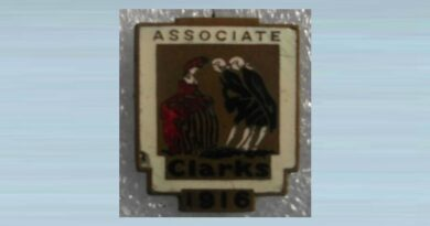 Very Rare 1916 Clarks Associate Enamel Badge
